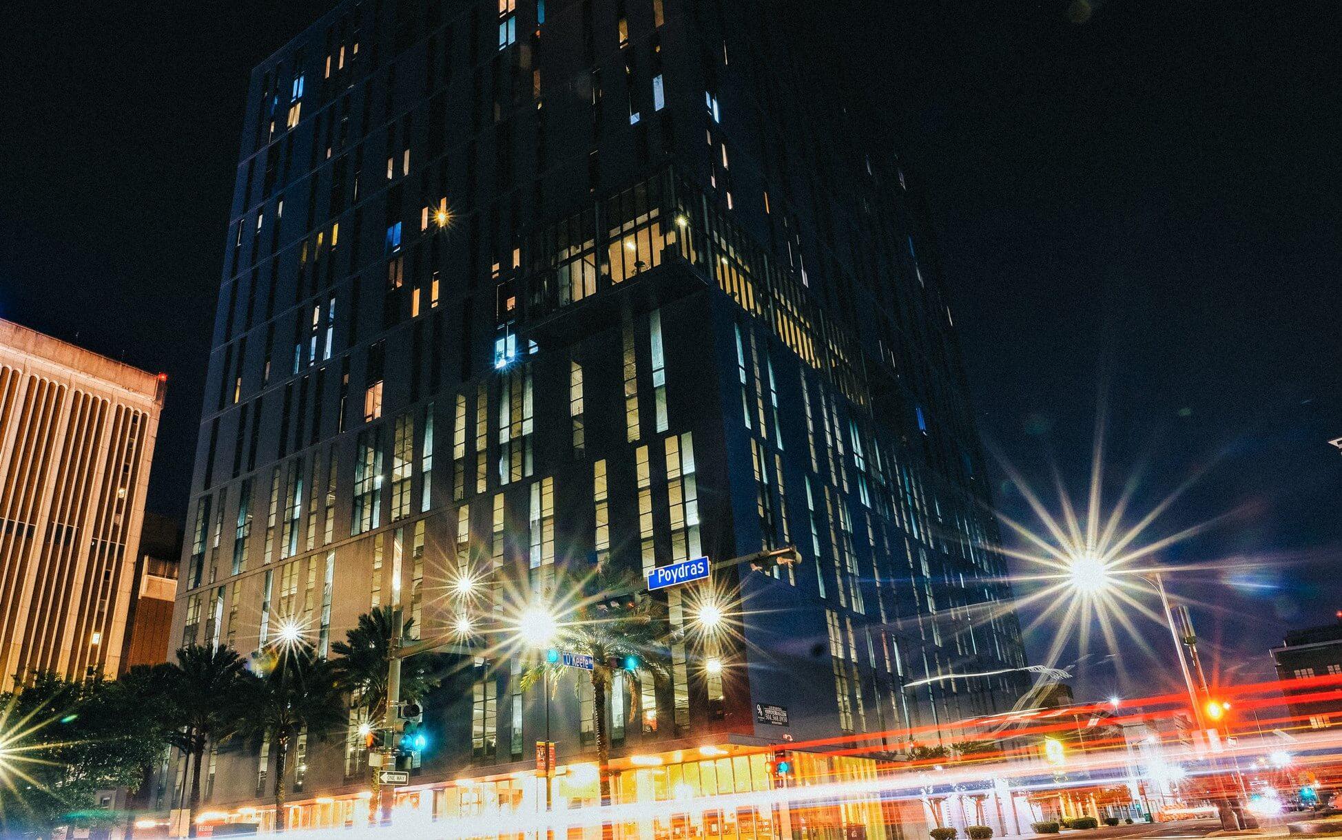 Street view pf 930 Poydras at night